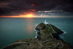 Who Protects the Protector? (Stu Patterson) Tags: stu patterson south stack lighthouse anglesey sunset seascape