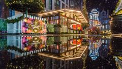 Aberdeen Christmas Village 2017.jpg (___INFINITY___) Tags: 2017 6d aberdeen marischalcollege marischalsquare building canon christmasvillage darrenwright dazza1040 eos infinity night scotland christmas xmas reflection