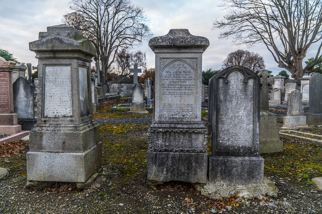 MOUNT JEROME CEMETERY IS AN INTERESTING PLACE TO VISIT [IT CLOSES AT 4PM]-134295