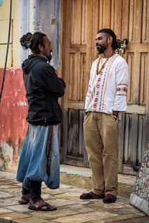 Two guys looking at each other meet in San Cristobal