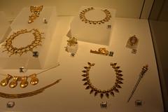 Rome, Italy - Villa Giulia (Etruscan Museum) - Jewelry (4) (jrozwado) Tags: europe italy italia rome roma villagiulia museum archaeology etruscan jewelry gold
