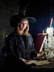 The Wise Woman (jocsdellum) Tags: wisewoman mujersabia bruja manuscript witch bruixa knowledge manuscrito