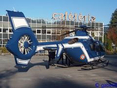 Saint-Maximin, Rencontres de la Sécurité 2017 (rescue3000) Tags: eurocopter ec135 gendarmerie nationale groupement forces aériennes gfag nord section aérienne sag amiens jdd hélicoptère avion véhicule