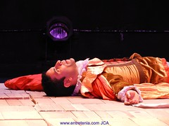 "HAMLET EN CARACAS • <a style=""font-size:0.8em;"" href=""http://www.flickr.com/photos/126301548@N02/37998683555/"" target=""_blank"">View on Flickr</a>"