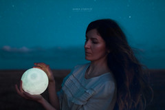 The most poetic thing (María Stardust) Tags: visual artist visualart moon beauty portrait maríastardust luna night sky estrellas joelrobison project thelightgbulbproject sigma canon girl child starrynight fineart