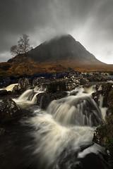 Raise Me (DBPhotographe) Tags: buachaille etive mor scotland highland glencoe long exposure mood moody sky cloud rain autumn water mountain