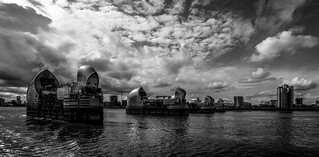 Thames barrier, Woolwich - Exp.
