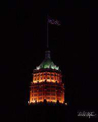 Tower Life Building At Night (dcstep) Tags: dsc9223dxo sonya9 canonef24105mmf4lisii metaboneseftofetadaptermkv handheld sanantonio riverwalk hilton allrightsreserved copyright2017davidcstephens dxophotolab101