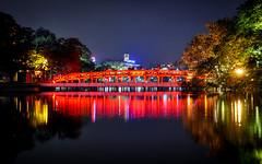 Hoan Kiem Lake - Hanoi (Valdy71) Tags: hanoi vietnam nikon valdy lake bridge ponte lago color night travel red sword