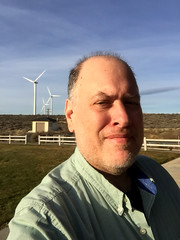 Day 2147: Day 322: Windy (knoopie) Tags: 2017 november iphone picturemail ryegrassrestarea kittitas windturbines doug knoop knoopie me selfportrait 365days 365daysyear6 year6 365more day2147 day322