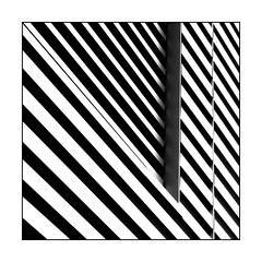 Diagonal (Panasonikon) Tags: panasonikon sonya5100 linien lines geometrie architektur abstrakt diagonal fineart bw minimalismus quadrat square sw
