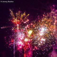 Fireworks (JKmedia) Tags: plymouth hoe fireworks 2017 nov5th november festive gold golden explode night canoneos5dmkiii l sparkle sky orb hot devon handheld ef28300mmf3556lisusm