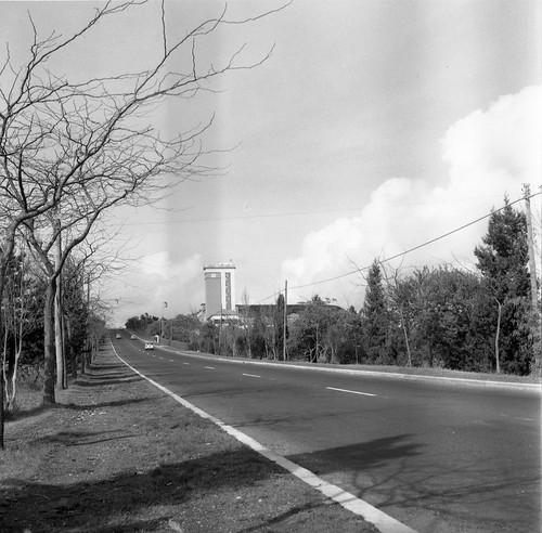 Estrada Lisboa-Sintra aos Cabos Ávila (A. Madureira, 1961). Archivo photographico da C.M.L.
