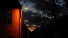 An Evening in Visby  2 (jurgenkubel) Tags: visby sweden schweden sverige nattfoto kvällsfoto nightshot stadt stad olympus streetlight gatulampor city town