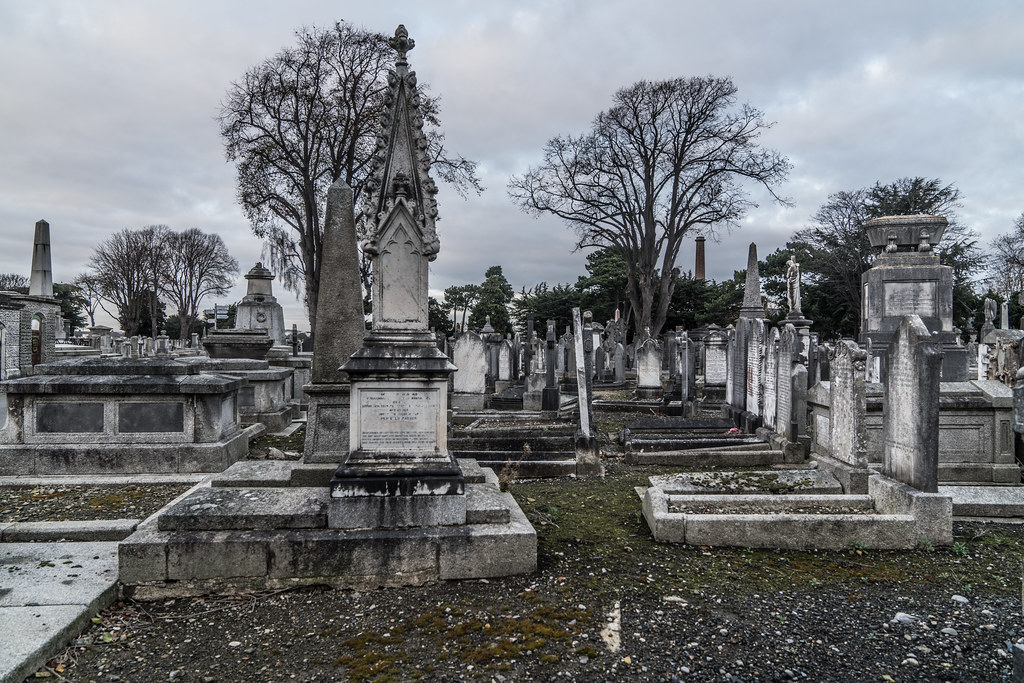 MOUNT JEROME CEMETERY IS AN INTERESTING PLACE TO VISIT [IT CLOSES AT 4PM]-134369