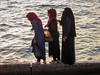 Mujeres en el Mar Rojo, Áqaba (Jordania) (Teresa Esteban) Tags: mujer áqaba jordania jordan mar marrojo agua
