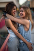 Alba&Rocio-42 (BertoMar) Tags: pãºrpura chica chicas gorra tirantes gunsandroses vans gafasdesol rubia atardecer valladolid nikon castaña