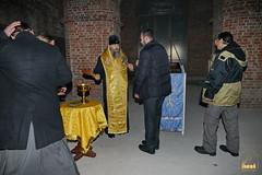 16. Установка крестов на храм святых мучениц 15.12.2014
