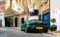 Gold & Green. (Alex Penfold) Tags: lamborghini huracan performante green verde supercars supercar super car cars autos alex penfold 2017 london