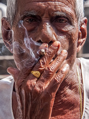 LRd Mumbai 2015-849 (hunbille) Tags: birgittemumbai32015lr india mumbai bombay colaba wtc worldtradecenter world trade center slum smoke smoking cigarette hand ring washing laundry dhobi wallah dhobiwalla walla wala challengeyouwinner jewelry fotocompetition fotocompetitionbronze