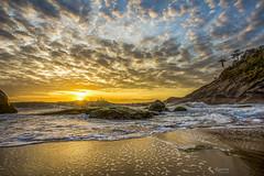 Sunrise, Estaleirinho Beach (rqserra) Tags: alvorecer amanhecer sol nuvens praia agua reflexos pedras ondas colorido sunrise sun clouds beach water reflexes rocks waves colorfull rqserra brazil