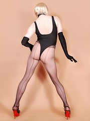 27H1L (klarissakrass) Tags: leotard butt string tights pentyhose nylons gloves heels sexydress sexylegs crossdress crossplay gurl
