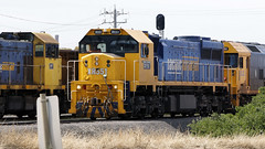 LOCO Meet 'n' Greet (Jungle Jack Movements (ferroequinologist)) Tags: geelomg thompson road level crossing north west geelong shunt load xr551 norman depomeroy bl32 h1 g529 x43 australia australian locomotive loco locos power grunt performance diesel electric rail railway railroad rails line bogie engineer train engine appliance kw traction run freight pull gunzel gunzelling gunzeller transit authority 列車 培养 la traîne die eisenbahn treno el tren электровоз 内燃机车 station set platform pickup carriage trip stabled ballast class livery pacific national pn rural bulk