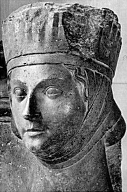 coiffe 13ème statue touret
