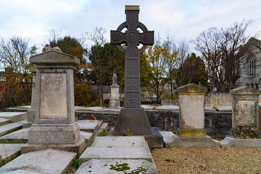 MOUNT JEROME CEMETERY IS AN INTERESTING PLACE TO VISIT [IT CLOSES AT 4PM]-134270