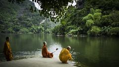 Selfie Monks (voxpepoli) Tags: thànhphốninhbình ninhbình vietnam vn ngc