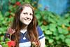 La felicidad (leograttoni) Tags: mujer joven teenager sonrisa smile feliz happy jardíngarden airelibre laplata buenosaires argentina nieta