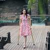 amp-1485 (vsmrn) Tags: amputee woman onelegged crutches