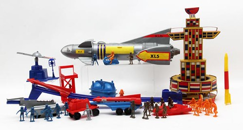 1964 Steve Zodiac's Fire Ball XL5 Space City Play Set w/ Box ($280.00)