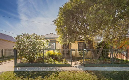 4 Autumn St, Orange NSW 2800