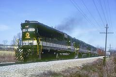 Southern SD45 3107 (Chuck Zeiler) Tags: sou sr southernrailway sd45 3107 railroad emd locomotive loudon train chuckzeiler chz green flags