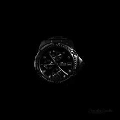 """Black Time"" (las7hesperides) Tags: lowkey blancoynegro blackandwhite blackwhite watch lotus clock monocromatico monocrome"