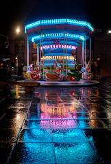 Reflets colorés (Rollkidd) Tags: montdemarsan noël christmas roue landes couleurs ville city lights colours reflet night nuit rain pluie