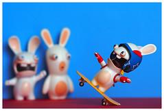 Un lapin sportif Raving Rabbids (LUDOVIC. R) Tags: raving rabbids « bwaaaaaaah » olympus em 10 micro 43 toy lapins crétins sport skateboard