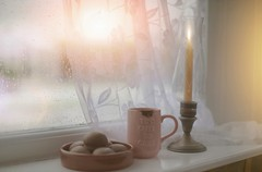 Snowy Mornings... #LitbyCandlelight (KissThePixel) Tags: macromonday sunrise snow snowing candle chocolate hotchocolate cake christmas december nikon nikond750 sigma sigmaart sigmaf14 aperture home morning still life photography stilllife stilllifephotography tabletop cottage view myview bokeh pastel glow light