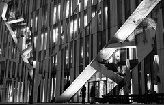 Illuminated Geometries (1FCK) Tags: architecture nightphotography blackandwhite duesseldorf