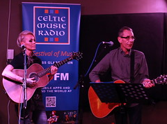 IMG_0008 Jill Jackson & Rab Knoakes (marinbiker 1961) Tags: jilljackson blonde singer songwriter guitarist guitars livemusic gladcafe glasgow scotland 2017 celticmusicradio95fm rabknoakes glasses tattoos music stage