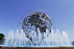 UNISPHERE. FLUSHING MEADOWS CORONA PARK. NEW YORK CITY. (ALBERTO CERVANTES PHOTOGRAPHY) Tags: unisphere newyork nyc usa queens flushingmeadowscoronapark flushingmeadowspark flushing meadows corona park parque 1964worldsfair feriamundialde1964 1964 feria mundial fair world acero steel iron planetatierra planetearth tierra earth planeta planet centerpiece elementocentral elemento central estructura structure globe globo peace paz symbol simbolo agua water wheel rueda cielo sky azul blue ciudad city sol sun efecto effect silkwater sedaenelagua silkeffectinwater seda silk fountain fuente worldfair indoor outdoor blur retrato portrait photography photoborder luz light color colores colors brightcolors