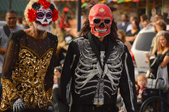 An undead couple (radargeek) Tags: 2016 dayofthedead okc oklahomacity plazadistrict flowers mask skeleton parade couple