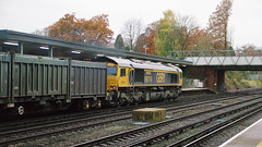 RD16210.  GBRf 66714 at Fleet. (Ron Fisher) Tags: diesel dieselelectric coco class66 66714 66714cromerlifeboat locomotive diesellocomotive train freighttrain transport lswr londonsouthwesternrailway southernrailway
