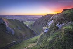 Winnats Dawn (marc_leach) Tags: winnatspass hopevalley castleton peakdistrict highpeak sunrise dawn canon tokina1116mm manfrotto055xprob