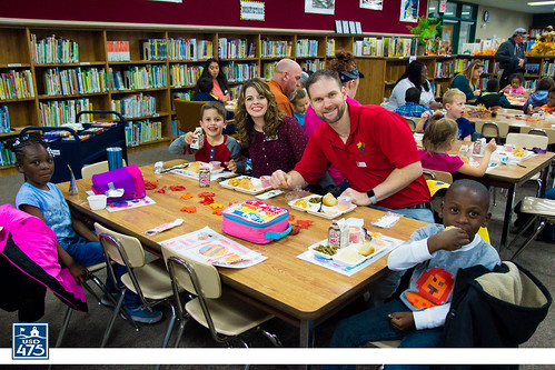 "2017 Lincoln Serves Thanksgiving Meal • <a style=""font-size:0.8em;"" href=""http://www.flickr.com/photos/150790682@N02/37830345244/"" target=""_blank"">View on Flickr</a>"
