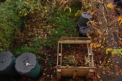Looking Down on the Front Garden - November 2017 (basswulf) Tags: frontgarden compost compostbin pallets autumn d40 1855mmf3556g lenstagged unmodified 32 image:ratio=32 permissions:licence=c 20171122 201711 3008x2000 garden normcres oxford england uk lookingdownonthegarden