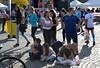 2017_BpMaraton_7323 (emzepe) Tags: 2017 október ősz hungary ungarn hongrie budapest 32 32nd spar marathon maraton futó futás running run runner sport event futófesztivál festival mass tömegsport dózsa györgy út felvonulási tér befutók cél finish area terület ötvenhatosok tere lány földön