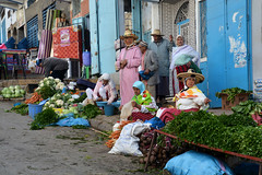 Market Morocco_1672 (ichauvel) Tags: marché market femmes women humain human streetphotography légumes vegetables vendre sell chefchaouen chechaouen rif maroc morocco afriquedunord northafrica magreb voyage travel jour day exterieur outside novembre november rue street