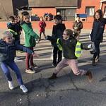 Speelplaatsproject: 2e en 4e leerjaar speelt samen